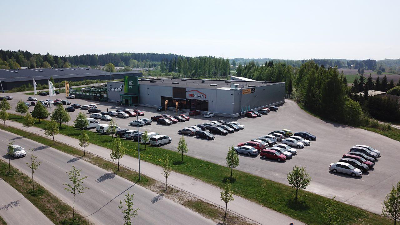 MS-auton Lappeenrannan toimipiste vaihtoautoineen