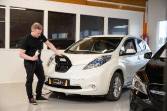 Mikä käyttövoima valita autoon – Bensa, diesel, hybridi vai kaasuauto?